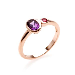 แหวนดีไซน์น่ารักเรียบหรู ประดับพลอยอะเมทิสต์ (Amethyst) และทับทิม (Ruby) ตัวเรือนเงินแท้ชุบสีพิ้งค์โกลด์ (Pink Gold)