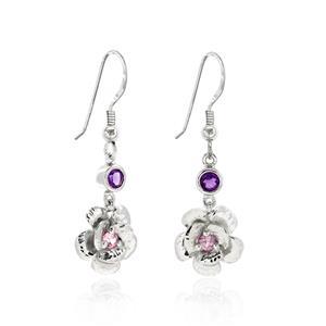 ต่างหูดีไซน์ดอกไม้น่ารัก ประดับพลอยอะเมทิสต์ (Amethyst) และพิงค์แซฟไฟร์ (Pink Sapphire) ตัวเรือนเงินแท้ชุบทองคำขาว