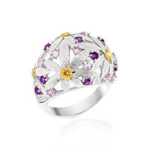 แหวนดีไซน์โดดเด่นลายดอกไม้ซ้อนกันประดับ แซฟไฟร์สีส้ม (Orange Sapphire) แซฟไฟร์สีชมพู (Pink Sapphire) อะเมทิสต์ (Amethyst) ตัวเรือนเงินแท้ชุบทองคำขาว