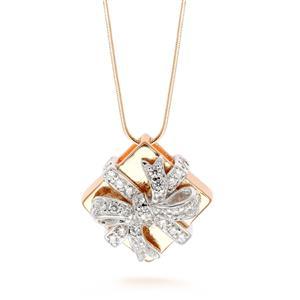 จี้เลนญ่า ดีไซน์กล่องของขวัญ ประดับเพชร DiamondLike ตัวเรือนเงินแท้ชุบสีแบบทูโทน ชุบทองคำขาว และชุบพิ้งค์โกลด์ (Pink Gold)