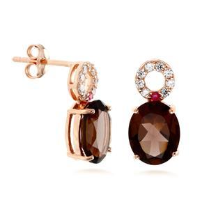 ต่างหูเลนญ่า ดีไซน์น่ารัก ปนะดับสโมคกี้ควอทซ์ (Smoky Quartz) เม็ดโต ทับทิม (Ruby) และเพชร DiamondLike ตัวเรือนเงินแท้ชุบสีพิ้งค์โกลด์ (Pink Gold)