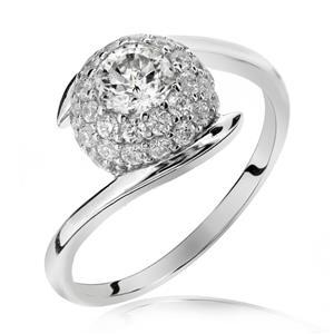 แหวน LENYA ETERNAL ประดับ SWAROVSKI ZIRCONIA ตัวเรือนเงินแท้ชุบทองคำขาว ดีไซน์หวาน เสริมลุ๊คให้สวยสง่าได้ในทุกวัน