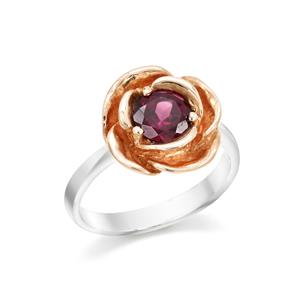 แหวนดอกกุหลาย ประดับโรโดไรท์ สีม่วง ตัวเรือนเงินแท้ชุบทองคำขาว และทองชมพู 18K ที่กลีบกุหลาบ
