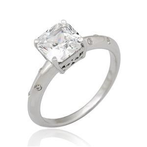 แหวน DiamondLike ทรงสี่เหลี่ยม ขนาด 7 มิล ประดับด้วยคิวบิคเซอร์โคเนีย ตัวเรือนเงินแท้ขุบทองคำขาว