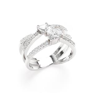 แหวน DiamondLike ทรงหัวใจ ขนาด 6 มิล และ 4 มิล ตัวเรือนเงินแท้ 925 ชุบทองคำขาว ดีไซน์ดั่งสองหัวใจที่สวมกอดกัน ใครที่หัวใจฉ่ำรัก ต้องใส่ค่ะ