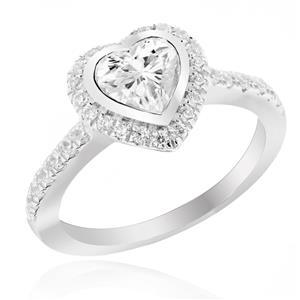 แหวนเพชร DiamondLike รูปหัวใจ ดีไซน์คลาสิค เพชรเม็ดใหญ่ใจกลางเรือนขนาด 6 mm. ล้อมรอบด้วย Cubic Zirconia อย่างมีสไตล์