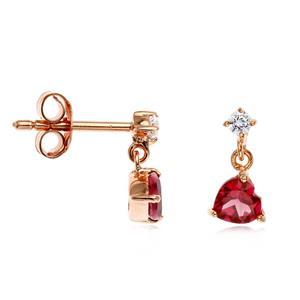 ต่างหูเงินแท้ 925 ชุปพิงค์โกลด์ (Pink Gold) ดีไซน์รูปหัวใจ แสดงถึงความรักโรแมนติก สุดน่ารัก ประดับด้วยพลอยสีม่วงอมแดง โรโดไลท์ (Rhodolite) และ ไวท์ โทแพซ( White Topaz)