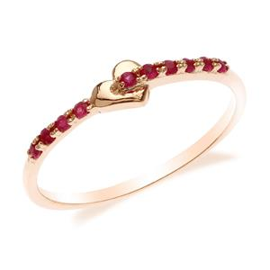 แหวนเงินแท้ 925 ชุปพิงค์โกลด์ (Pink Gold)โดดเด่นด้วยดีไซน์ หัวใจแห่งรัก ประดับด้วยพลอยทับทิมสีแดง มัดใจสาวๆ
