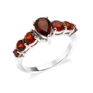 แหวนโกเมน เงินแท้ 925 ชุบทองขาว  เพิ่มเสน่ห์ให้กับเรียวนิ้ว  ด้วย พลอยสีแดง โกเมน( Garnet )