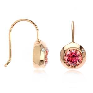ต่างหูเงินแท้ 925 ประดับด้วย SWAROVSKI  ZIRCONIA สีชมพูสุดหวาน  บนตัวเรือนเงินแท้ชุบพิ้งโกลด์ ( pink gold) ในลุดสาวหวานสดใสน่ารัก เสริมเสน่ห์แพรวพราวสะกดตาใครต่อใคร
