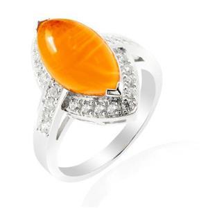แหวนเงินแท้ 925 ดีไซน์สุดเก๋ ประดับหินสีส้มคาร์เนเลียน (Carnelian )เป็นหินแห่งคำอวยพรให้พบเจอแต่ความสุข ความเจริญก้าวในชีวิต เสริมบารมีและเปล่งประกายระยิบระยับด้วยคิวบิกเซอร์โคเนีย ตัวเรือนชุบทองคำขาว
