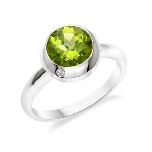 แหวนเงินแท้ ประดับพลอยสีเขียวอมเหลือง เพอริดอท( peridot)  ดีไซน์เรียบหรูดูโดดเด่น  อัญมณีสำหรับชาวราศีสิงห์ หนุนนำความร่มเย็น สงบสุข เป็นสิริมงคลแก่ชีวิต