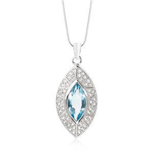 จี้บลูโทแพซ (Blue Topaz) สีฟ้าใสสวยสง่า ล้อมด้วย ไวท์ โทแพซ (White Topaz) เป็นรูปวงรี 2 ชั้น วิจิตรตระการตา ให้ความรู้สึกหรูหราทุกครั้งที่สวมใส่