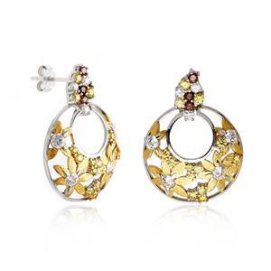 ต่างหูเงินแท้ 925 ชุบทองขาว และ ชุปทองคำ ประดับด้วย Swarovski Zirconia  มีทำลาย Texture ที่ดอกไม้ ฉลุลายดอกไม้น่ารัก