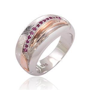 แหวนประดับ SWAROVSKI ZIRCONIA สีชมพู ตัวเรือนเงินแท้925 มี Texture ชุบทอง 2 สี พิ้งค์โกลด์ และทองคำขาว