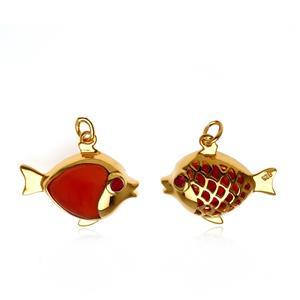 ชาร์มลูกปลาเป็นสัญลักษณ์ของการมีมากมายล้นเหลือ มีเหลือกินเหลือใช้ ไม่ขาดและโชคดี ตัวเรือนเงินแท้ ชุบทองคำ ประดับพลอย คาร์เนเลี่ยน (Carnelian)  และ ทับทิม(Ruby)