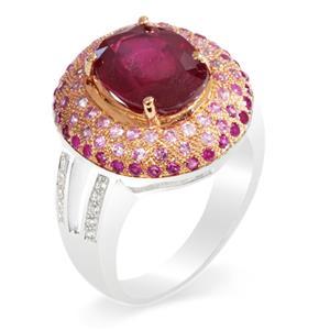 แหวนพลอยทับทิม(Ruby) รูปทรงเป็นเอกลักษณ์ โดดเด่น สุดหรูหรา บนตัวเรือนเงินแท้ชุบทองคำขาว