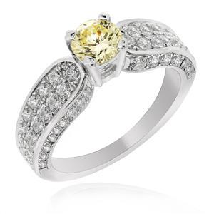 แหวน เพชร DiamondLike เม็ดกลางสีแฟนซี มาพร้อม Cubic Zirconia หลายเม็ดประดับบนตัวเรือน ที่พร้อมจะสะท้อนความโดดเด่นในตัวคุณ ตัวเรือนทำจากเงินแท้ชุบทองคำขาวเกรดพรีเมี่ยม