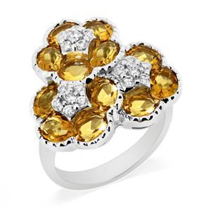 แหวนพลอยซิทริน(Citrine) ดีไซน์สุดแสนน่ารัก ด้วยดอกไม้ซ้อนกันถึง 3 ดอก บนตัวเรือนเงินแท้ชุบทองคำขาว