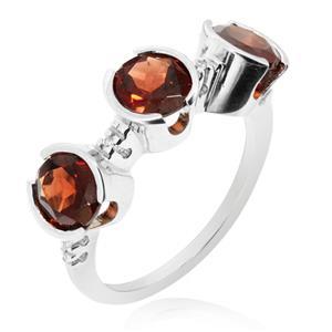 แหวนพลอยโกเมน(Garnet) ดีไซน์แปลกไม่เหมือนใคร บนตัวเรือนเงินแท้ชุบทองคำขาว