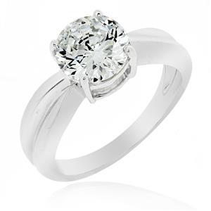 แหวนเพชร DiamondLike เพชรเม็ดใหญ่ 2 กะรัต ดีไซน์เรียบหรู เหมาะอย่างยิ่งสำหรับเป็นของขวัญวันครบรอบและแทนความรัก