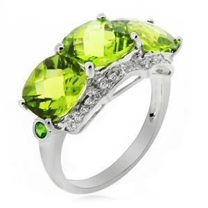 แหวนเพอริดอท ประดับเพชร DiamondLike และพลอย Chrome Diopside สีเขียว ตัวเรือนเงินแท้ชุบทองขาว