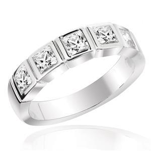 แหวนเพชร DiamondLike ประดับเพชร 5 เม็ด ลงบนตัวเรือนเงินแท้ชุบทองคำขาว เลือกสวมใส่ติดนิ้วได้ในทุกวัน
