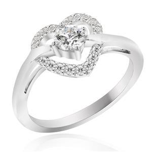 แหวนเพชร DiamondLike ดีไซน์รูปหัวใจล้อมเพชรเม็ดหลัก พร้อมชูเพชรเม็ดกลางให้โดดเด่นขึ้น ตัวเรือนเงินแท้ชุบทองคำขาว