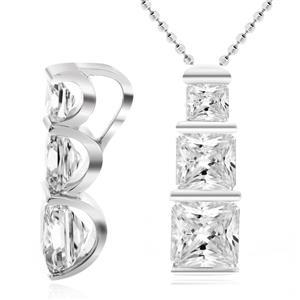 จี้เพชร DiamondLike รูปทรงสี่เหลี่ยมเรียงกันแนวตั้ง เหมาะสำหรับใส่สวยๆเก๋ๆได้ทุกงาน บนตัวเรือนเงินแท้ชุบทองคำขาว