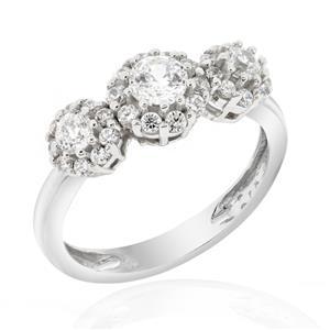 แหวนเพชร DiamondLike รูปทรงกลม 3 เม็ดเพิ่มลูกเล่นเก๋ๆให้เรียวนิ้ว บนตัวเรือนเงินแท้ชุบทองคำขาว