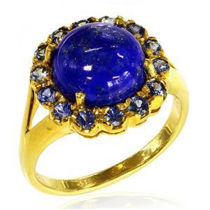 แหวนพลอยลาพิส (Lapis) สีน้ำเงิน หลังเบี้ย มีพลังในการปกป้องคุ้มครองสูง และช่วยนำพาทรัพย์สิน เสริมความมั่งคั่งร่ำรวย ประดับไพลิน (Blue Sapphire) น้ำเงิน ดีไซน์ดอกไม้ ตัวเรือนเงินแท้ชุบสีทอง