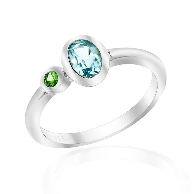แหวนดีไซน์น่ารักเรียบหรู ประดับพลอยบลูโทพาส(Blue Topaz) และพลอยซาโวไรท์ (Tsavorite) ตัวเรือนเงินแท้ชุบทองคำขาว