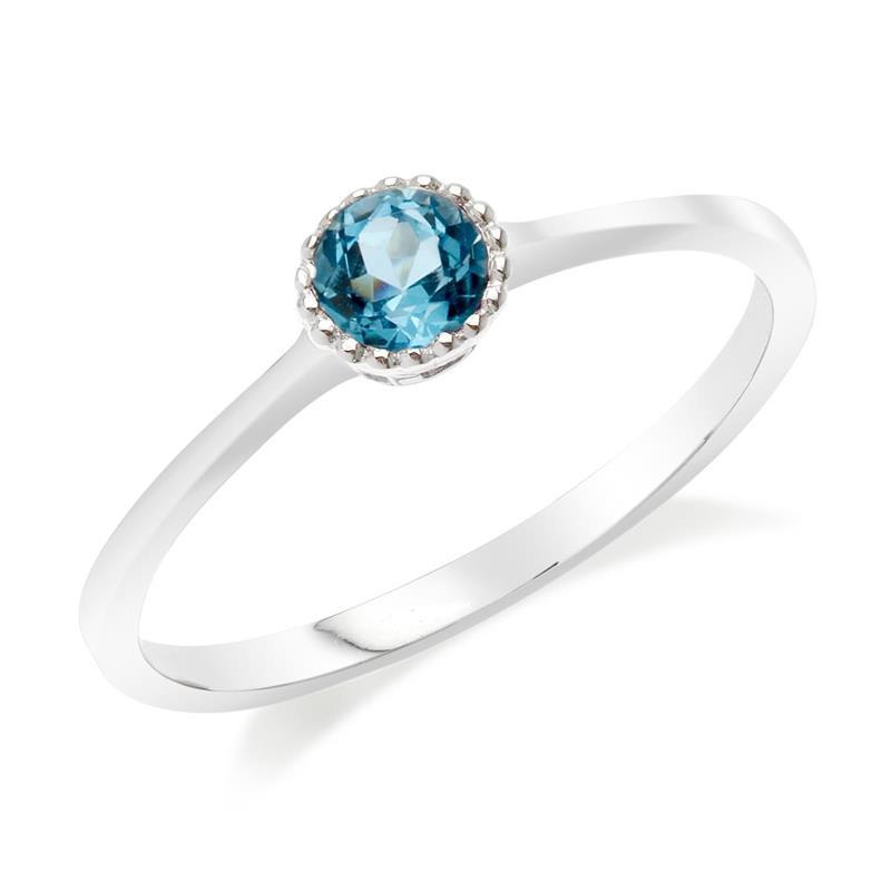 แหวนบลูโทแพซ (Blue Topaz) สีฟ้า ดีไซน์น่ารักแต่เก๋ไก๋ ตัวเรือนชุบทองคำขาว (Rhodium)