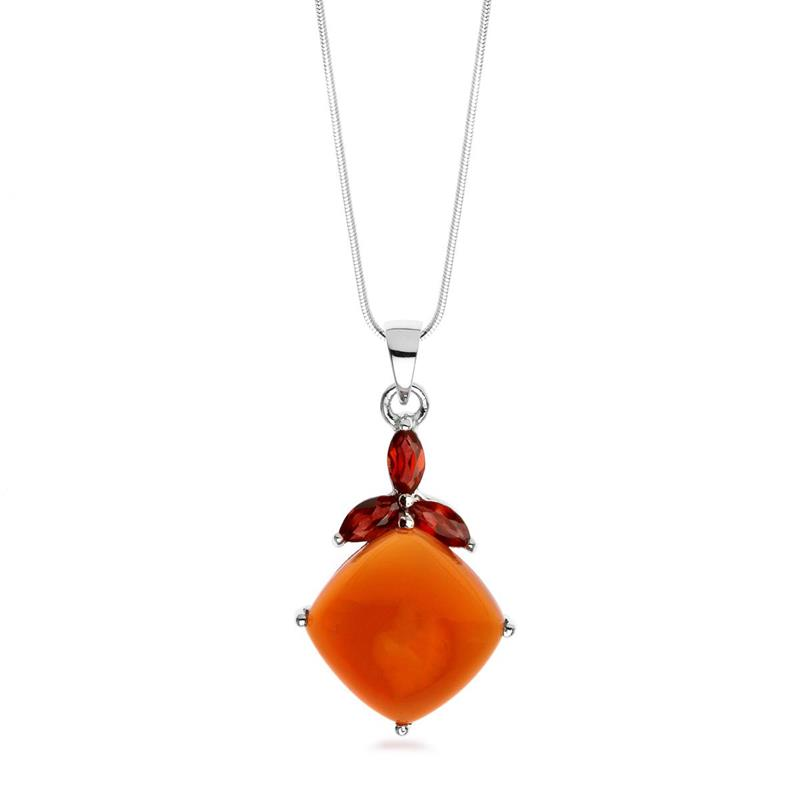 จี้เงินแท้ 925 ชุบทองขาว ประดับพลอยสีส้มอมแดง คาร์เนเลี่ยน เพิ่มความเก๋ ด้วยพลอยสีแดง การ์เน็ต (Garnet)  ดีไซน์เรียบดูดี มีสไตล์ เพิ่มสีสัน สดใสในวันทำงานของคุณ