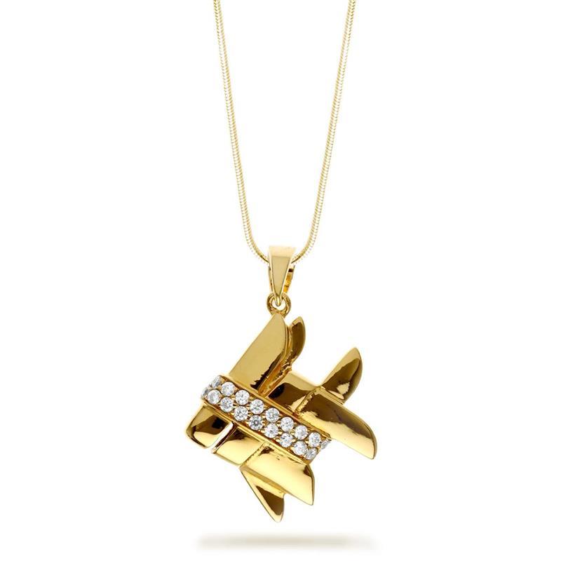 จี้เงินแท้ 925 ชุบทองคำสุดอลังการ ดีไซน์รูปปลาตะเพียนสยาม ประดับเพชร CZ คาดลำตัว สื่อถึงความอุดมสมบูรณ์ ความมั่งมี และความเพียรพยายามเพื่อไปสู่ความสำเร็จ เหมาะทั้งซื้อใส่เองและเป็นของฝาก