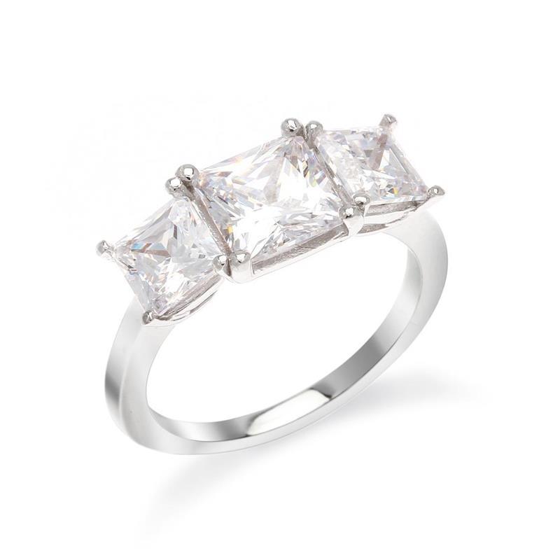 แหวน คิวบิกเซอร์โคเนีย (Cubic Zirconia) ทรงสี่เหลี่ยมสวยสะดุจตา ตัวเรือนเงินแท้ 925 ชุบทองคำขาว นิ้วแบบไหน ใส่แหวนวงนี้ก็สวยได้