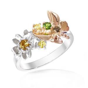 แหวนพลอยแท้หลากสีสันด้วยดีไซน์สุดหวาน ด้วยผีเสื้อและดอกไม้สำหรับต้อนรับหน้าร้อนนี้ บนตัวเรือนเงินแท้ชุบสีทูโทนทองคำขาวและสีพิงค์โกลด์แท้
