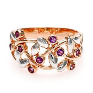 แหวน LenYa ประดับพลอยอะเมทิสต์ (Amethyst) โดดเด่นด้วยเทคนิคพิเศษ ด้วยการชุบทองคำขาวที่ใบไม้ บนตัวเรือนเงินแท้ชุบสีพิ้งค์โกลด์ (Pink Gold)
