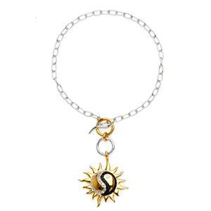 สร้อยข้อมือเงินแท้ชุบทองคำขาว ห้อยชาร์มสัญลักษณ์หยินหยางบนพระอาทิตย์ทองคำ