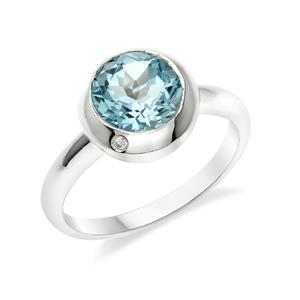 แหวน บลูโทแพซ เม็ดใหญ่ 8 มิล แซมด้วย คิวบิคเซอร์โคเนีย 1 เม็ด ตัวเรือนเงิน 925 ชุบโรเดียม