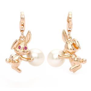 ชาร์ม นักษัตรปีเถาะ กระต่าย ตัวเรือนเงินแท้ ชุบทองคำ ประดับพลอยทับทิม(Ruby) และ ไข่มุกสีขาว(Pearl)
