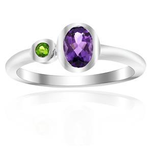 แหวนดีไซน์น่ารักเรียบหรู ประดับพลอยอะเมทิสต์ (Amethyst) และโครมไดออพไซด์(Chrome Diopside) ตัวเรือนเงินแท้ชุบทองขาว