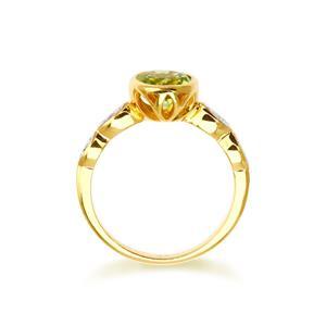 แหวนพลอยเพอริดอท(Peridot) และ คิวบิกเซอร์โคเนีย (Cubic Zirconia) ดีไซน์สุดคลาสิค เหมาะสำหรับสวมใส่กับเสื้อผ้าทุกชุดทุกสไตล์ ตัวเรือนเงินแท้ชุบทองคำ