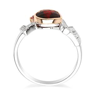 แหวนเงินแท้ 925 ประดับด้วยโกเมน(Garnet)  รูปหัวใจ และ แซฟไฟร์สีชุมพู(Pink Sapphire) เสริมฐานด้วยตัวอักษร LOVE ทำจากเพชร CZ   ชุบ 2 สี ทองขาว หัวใจชุบพิ้งโกลด์