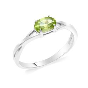 แหวนเพอริดอท(Peridot)  สีเขียว ดีไซน์น่ารักแต่เก๋ไก๋ ตัวเรือนชุบทองคำขาว (Rhodium) สวยเข้ากับทุกคน ใครใส่ก็สวย