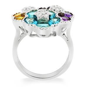 แหวนพลอย 3 สี ดีไซน์สุดแสนน่ารัก ด้วยดอกไม้ซ้อนกันถึง 3 ดอก บนตัวเรือนเงินแท้ชุบทองคำขาว