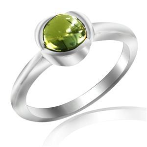 แหวนพลอยเพอริดอท (Peridot) พลอยหลังเบี้ย ปกป้องคุ้มครองเสริมสิริมงคล ความโชคดี นำพาความเจริญรุ่งเรืองในชีวิต หัวแหวนดีไซน์เป็นกลีบดอกไม้ ตัวเรือนเงินแท้ชุบทองคำขาว