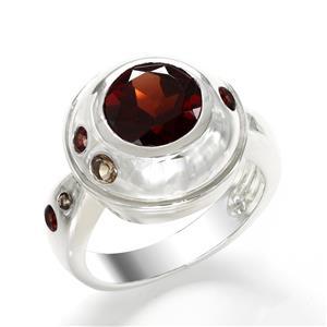 แหวนประดับโกเมน(Garnet) เม็ดใหญ่ บนตัวเรือนเงินแท้ชุบทองคำขาวแท้