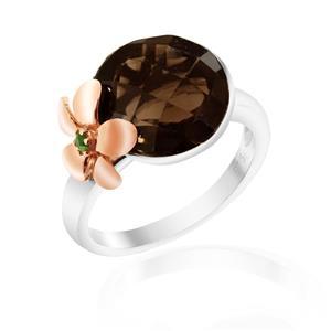 แหวนสโมคกี้ควอร์ซ(Smoky quartz) เม็ดโต ประดับด้วยดอกไม้ชุบสีพิ้งค์โกลด์ เกสรประดับพลอยโครมไดออฟไซด์ ตัวเรือนเงินแท้ชุบทองคำขาว