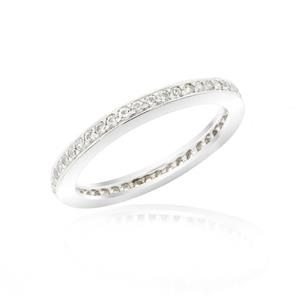 แหวน LENYA ETERNAL ประดับด้วย SWAROVSKI ZIRCONIA สีขาว บนตัวเรือนเงินแท้ชุบทองคำขาวดีไซน์แบบแถวเดี่ยวเต็มวง สวยคลาสสิค